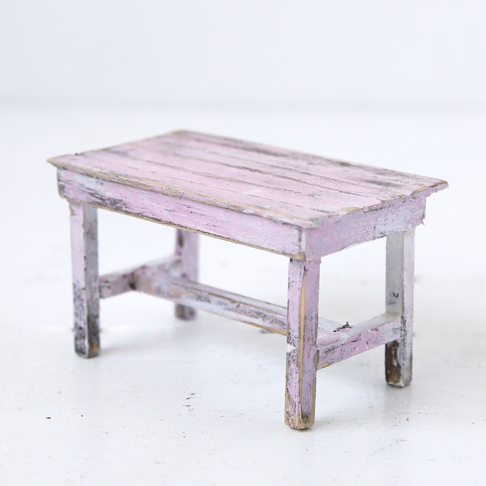 Dollhouse Furniture: Tiny Powder Pink Daisy Table