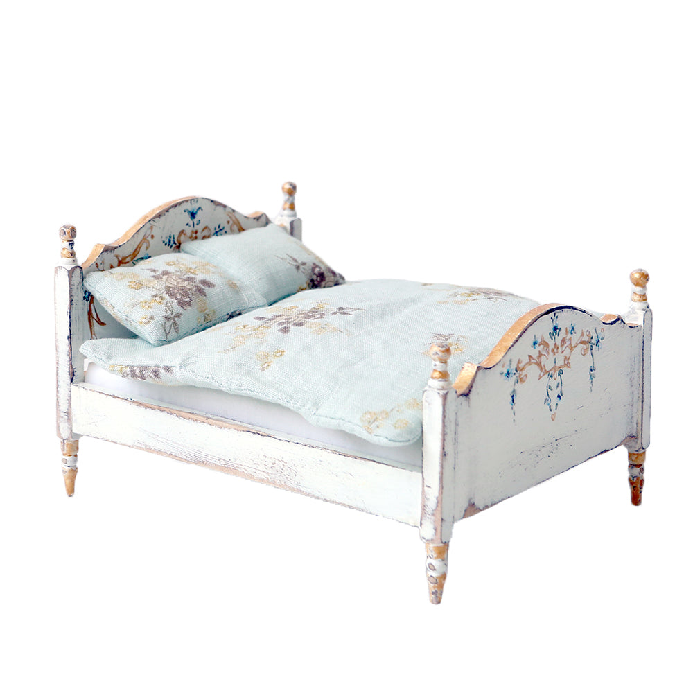 Charmant Dollhouse Furniture   White Painted Bed ...