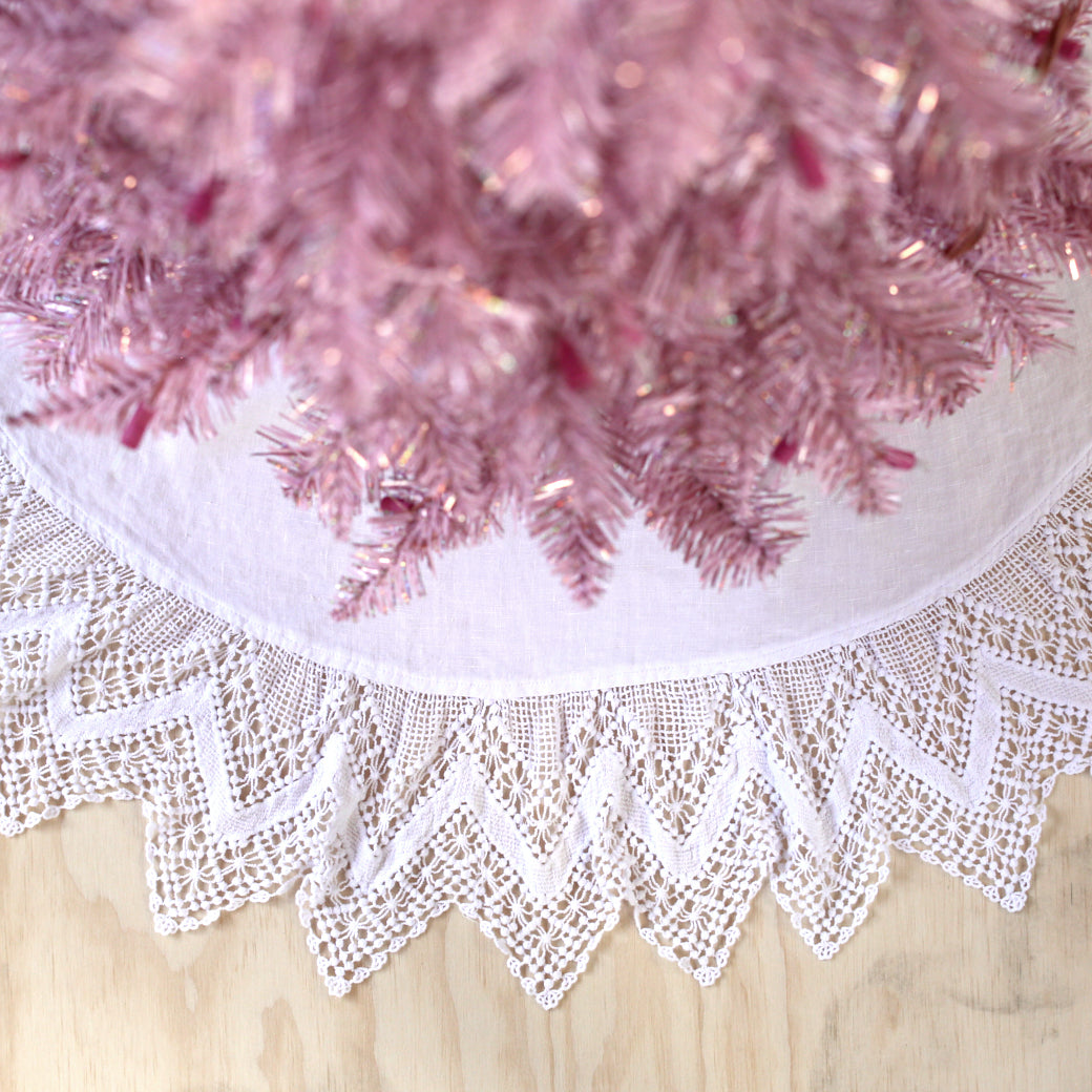 20%OFF White Cluny Lace Tree Skirt