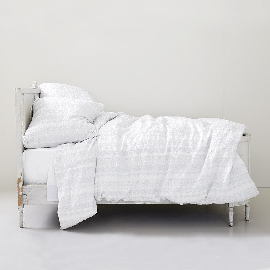 30% OFF Boho White Embroidered Bedding