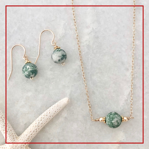 Wellfleet necklace and earring gift set