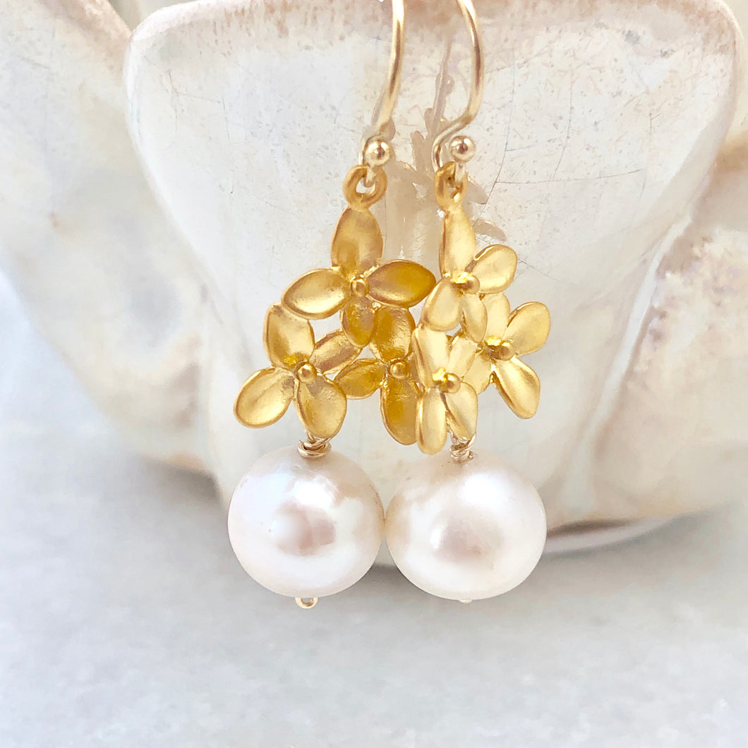 Tahiti Pearl Tri-Flower Earrings
