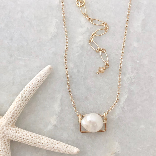 Freeport Framed Pearl Necklace