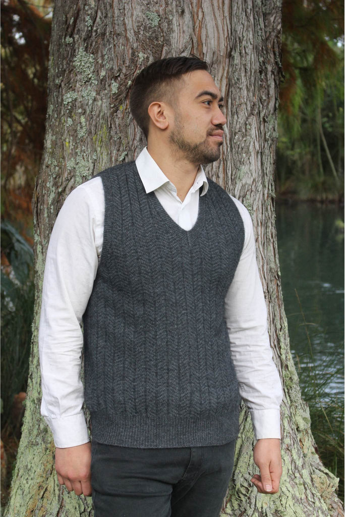 Lothlorian Pullover Vest in Merino Wool and Possum Fur