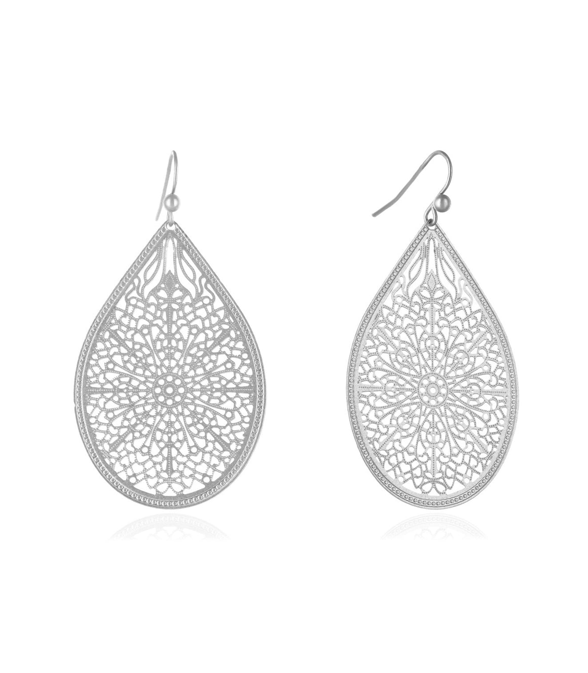 Lightweight teardrop Filigree Earringss
