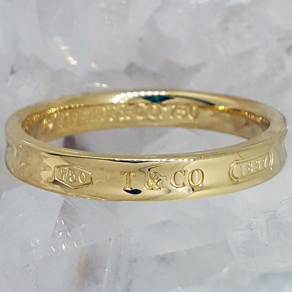This is a photo of Vintage Tiffany and Co. Mens Wedding Band vin39