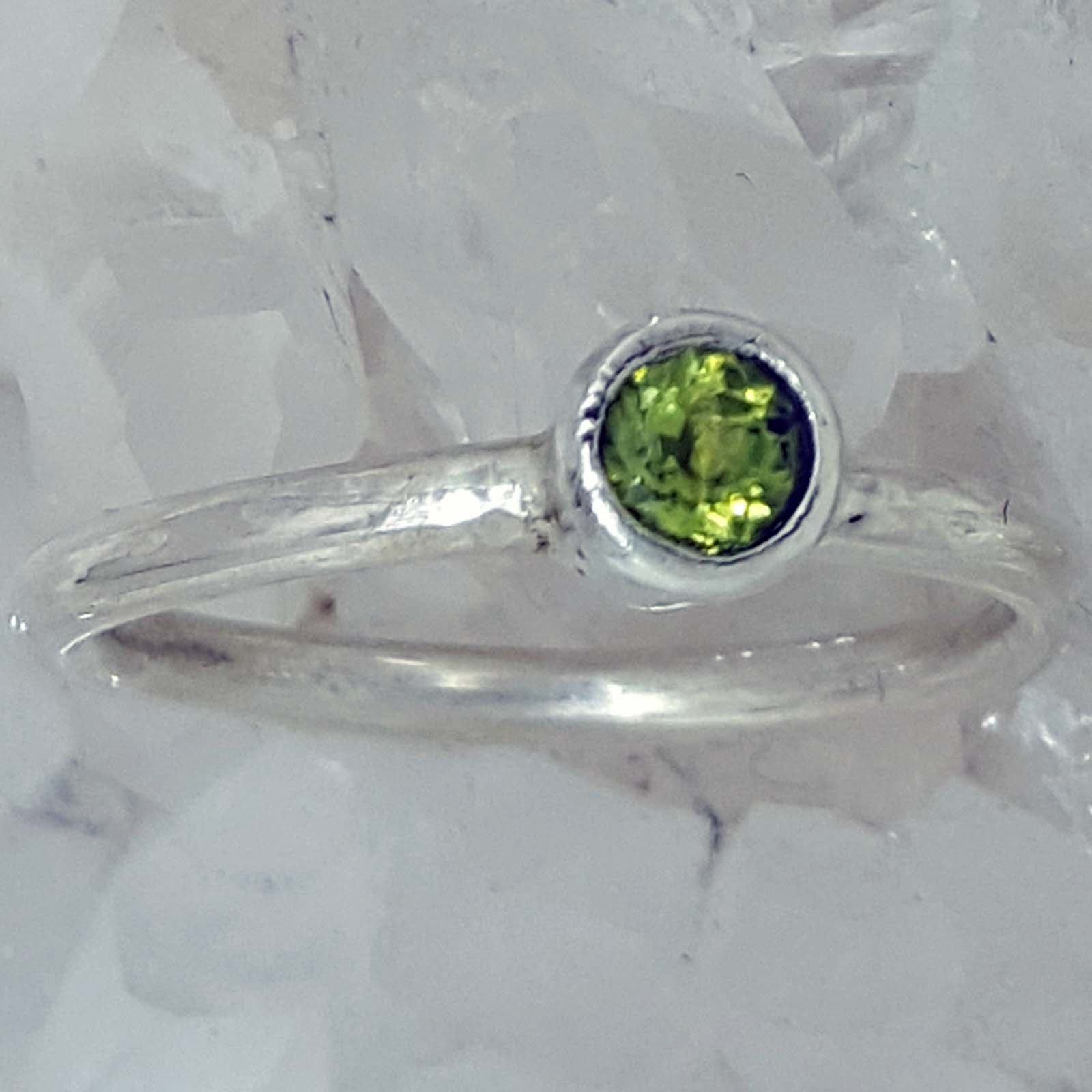 or peridot tiny mother hammered august s products set tube birthstone engagement solid natural in white yellow ring rings gold