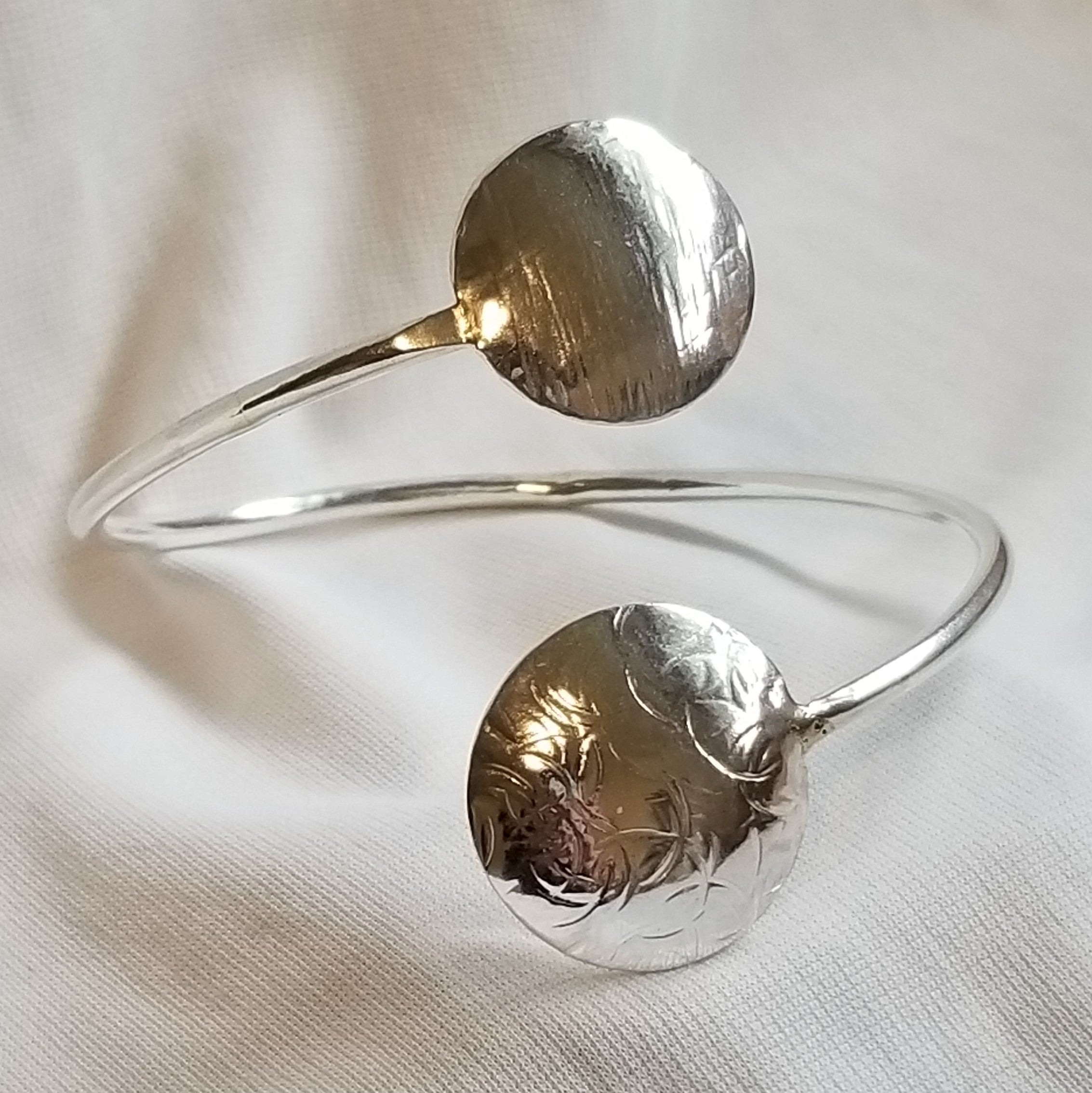 Double disc bangle