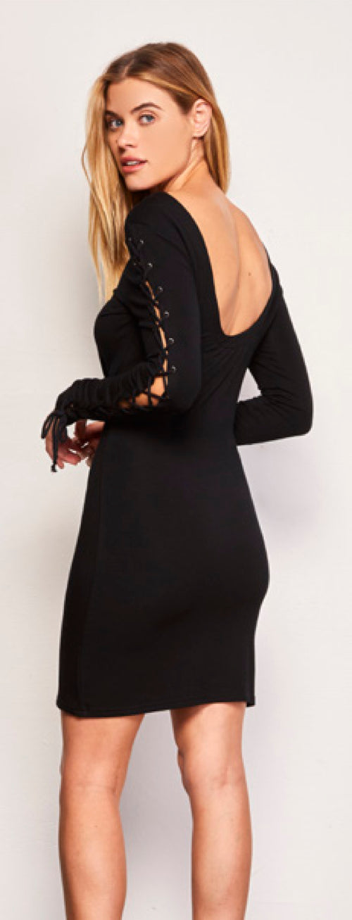 Cupcakes and Cashmere Lela Lace Up Long Sleeve Dress