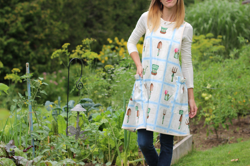 No Ties Apron, a Japanese Style Apron in a pretty Garden Print.
