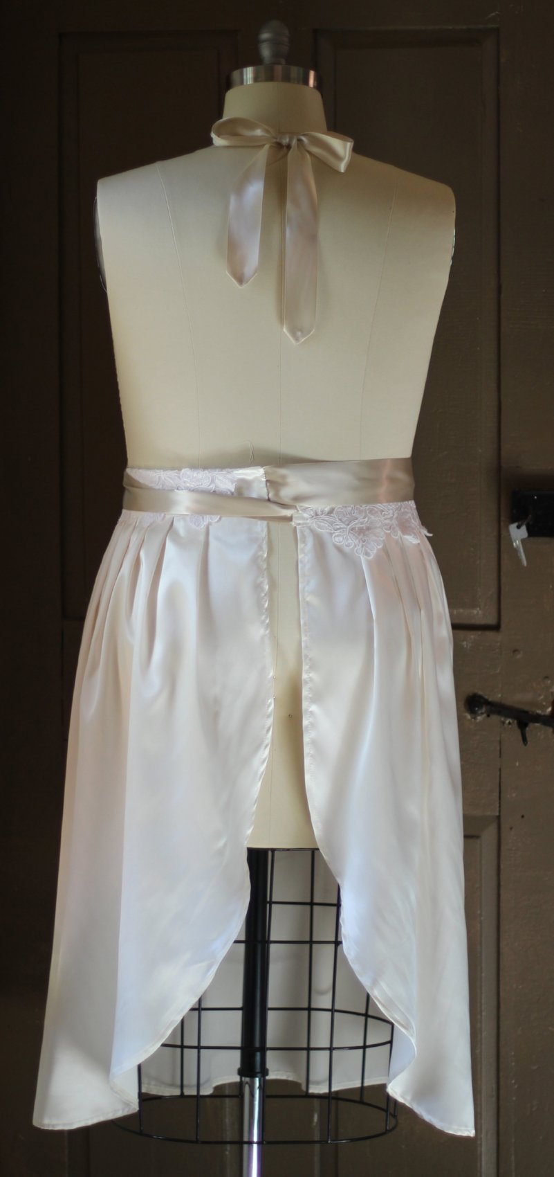 S-5X Satin Bridal Apron with Quilted Lace Bib