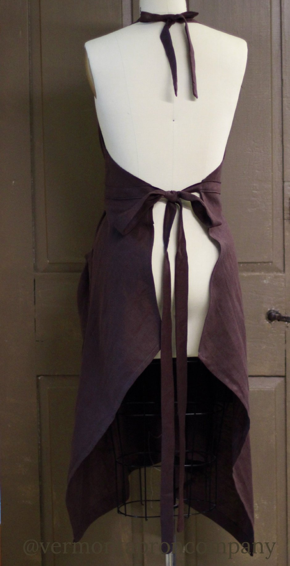 XS-5X  Hippy Apron in Chocolate Brown 100% Flax Linen, back view