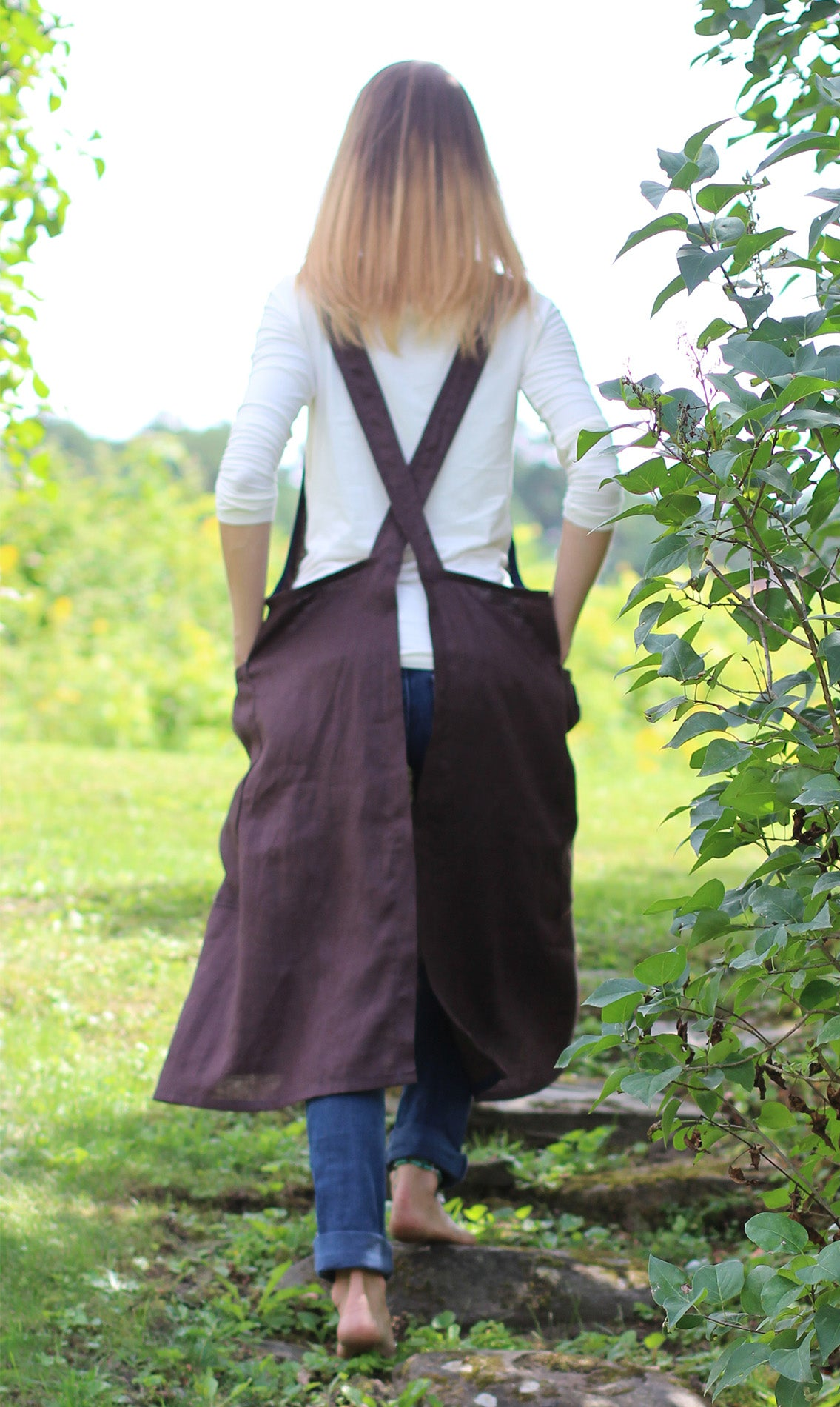 XS-5X No Tie Crossback Apron in Chocolate 100% Flax Linen