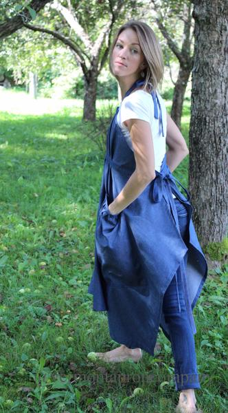 XS-5X Hippy Apron in Dark Blue Denim, side/ back view