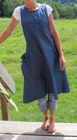 Quilted Barn Apron in Black Denim