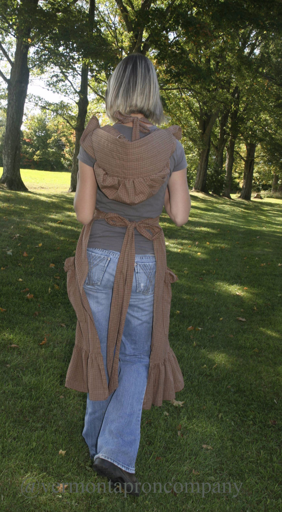 Prairie Apron in Country Brown 100% Cotton Homespun, back view