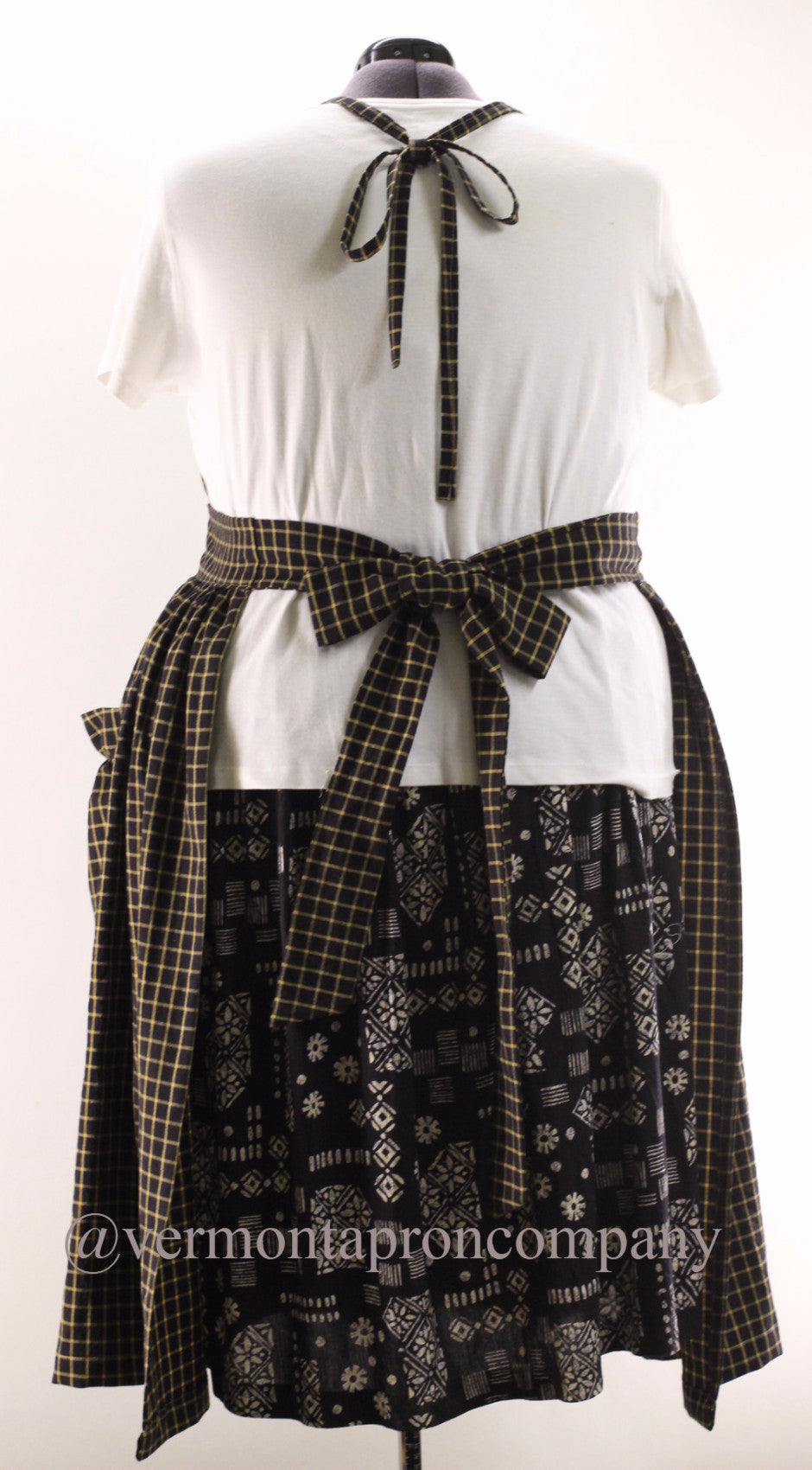 XS-5X  Gathered Bib Apron in Black 100% Cotton Homespun, plus size, back view