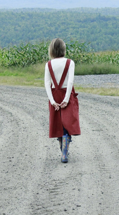 XS-5X No Ties Crossback Apron in Red 100% Cotton Homespun, back view