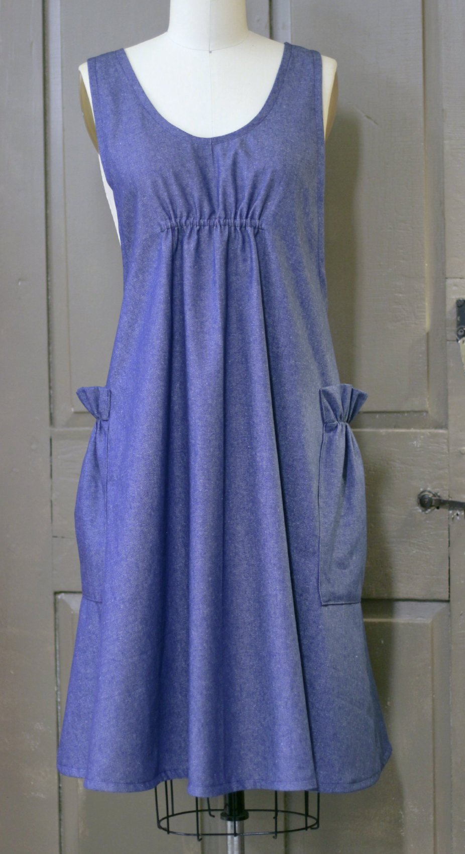 XS-5X No Tie Crossback Apron Maternity Apron in Navy Denim, front view
