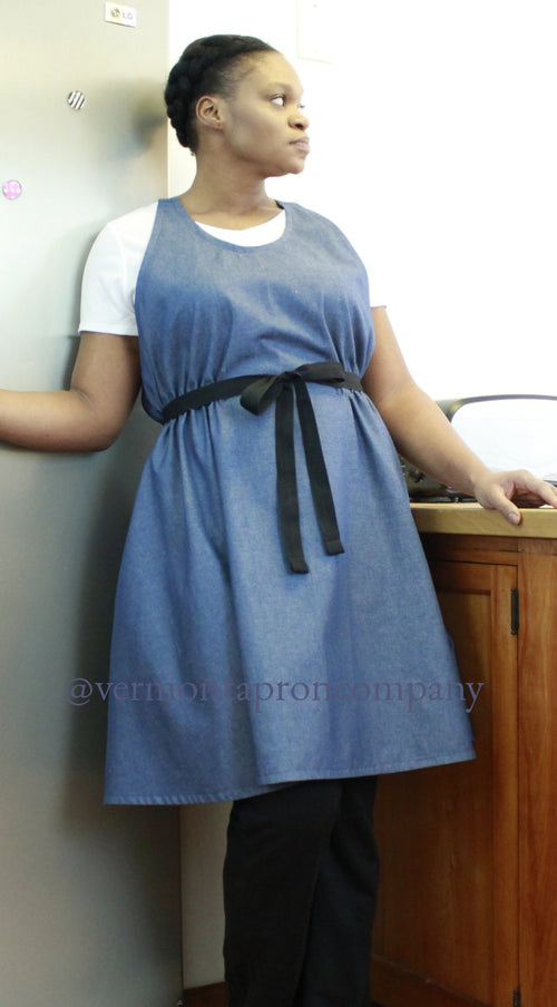 Kitchen aprons need to cover you comfortably so the focus is on your work. It need to fit, and aid you in your tasks.