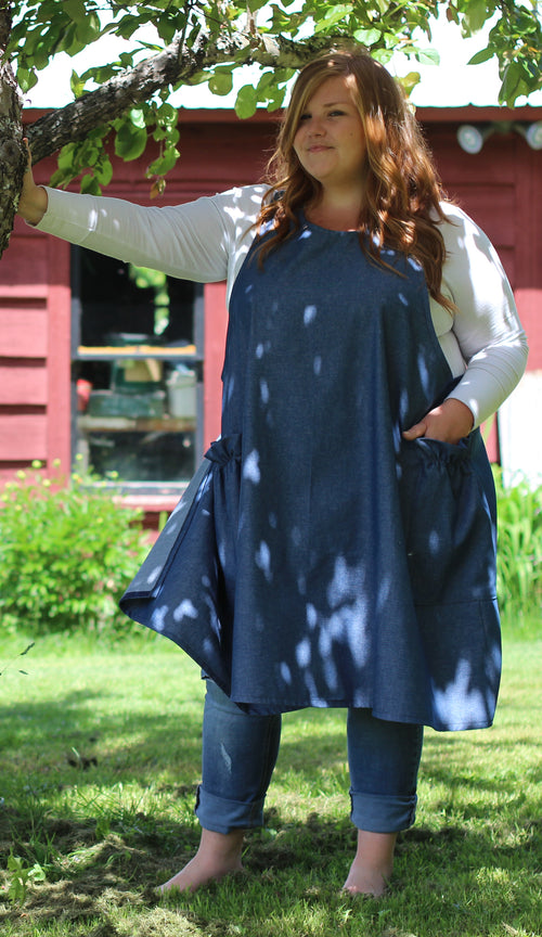 XS-5X No Tie Crossback Apron in Navy Denim, plus size, front view