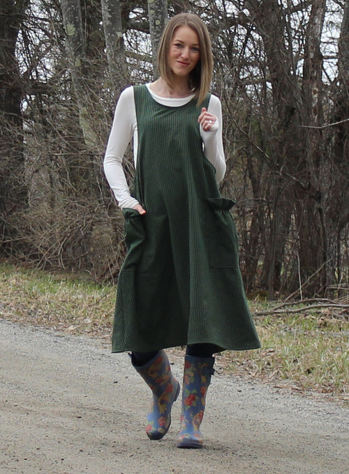 SAMPLE SALE_ SIZE SMALL No Ties Crossback Apron in 100% Cotton Dark Green Homespun