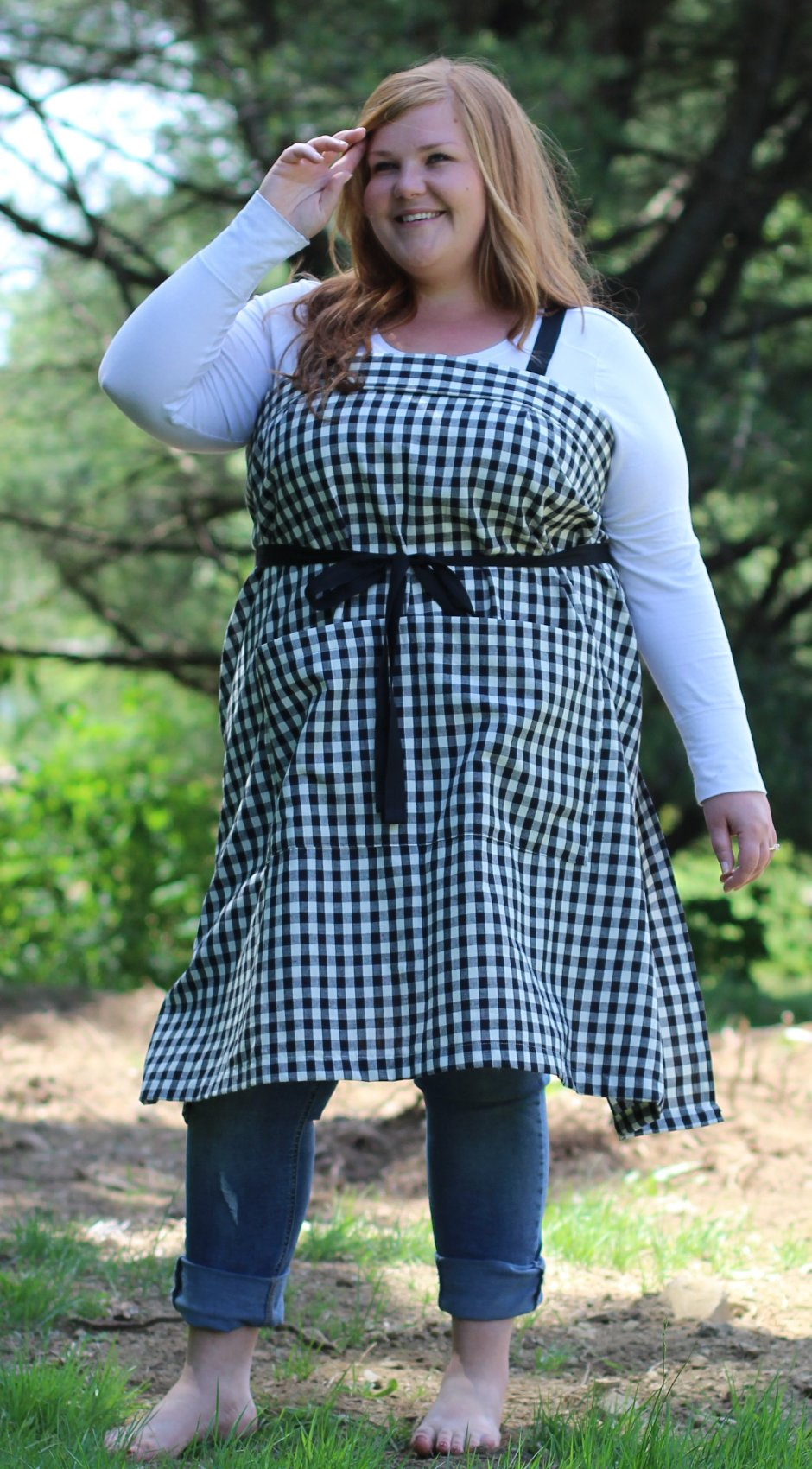 NEW DESIGN!!!    XS-5X Wrap Apron in Black and White Homespun