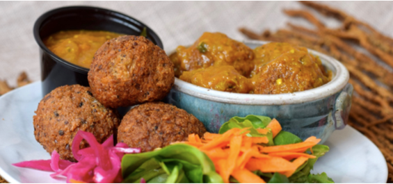 Black Eyed Beans Kofta Curry with Spicy Eggplant Sauce (10 oz Entree Pack)