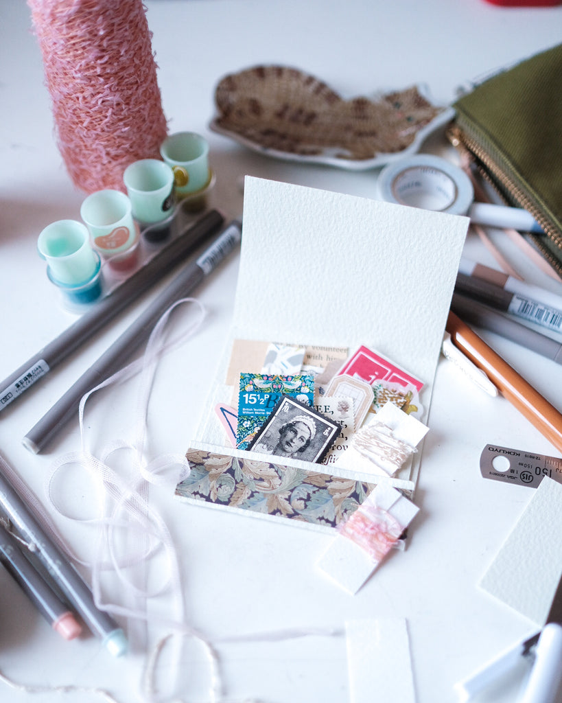 Mini folder for the Traveller or Snail Mailer | Blog Post by Connie