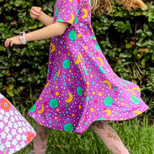 Scandi kids dress with mother earth violet DUNS