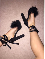 Black Ivy Ribbon Platform
