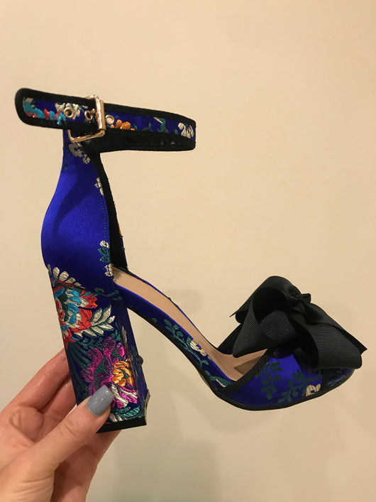 SAMPLE Zenia Noir Bow Heels
