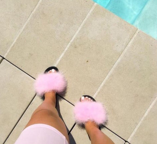 Pink Luxe Feather Slides Noir