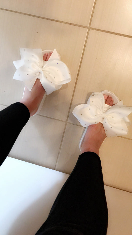 Angelique Crystal Bow Slides