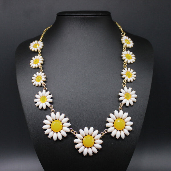 Daisy Flower Statement Necklace