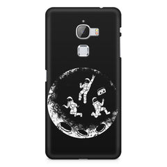 Enjoying space astraunauts design LeEco Le 3 printed back cover