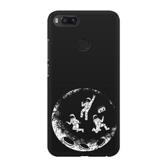 Enjoying space astraunauts design Xiaomi Mi 5x  printed back cover