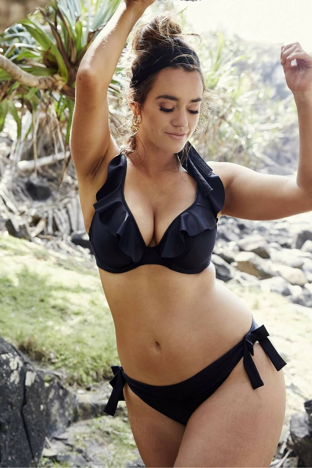 Marvell-Lane Marvell Lane - Ava Bikini Top in Black - Nomads Cove