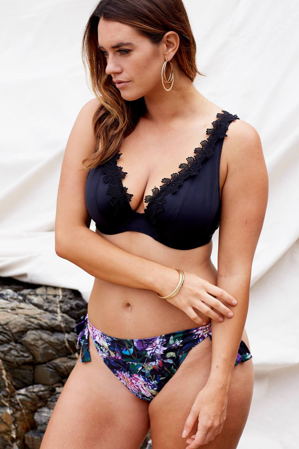 Marvell-Lane Marvell-Lane - Indah Bikini Top in Black - Nomads Cove