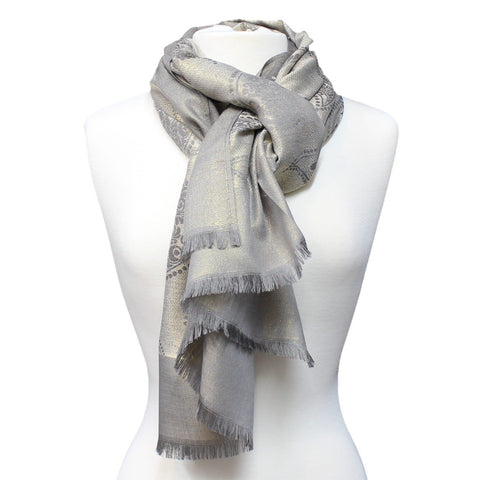 This patterned, double-sided Pashmina is perfect for every occasion and ideal for daily use. Comes in a variety of colors. Can be worn as a scarf or as a wrap.