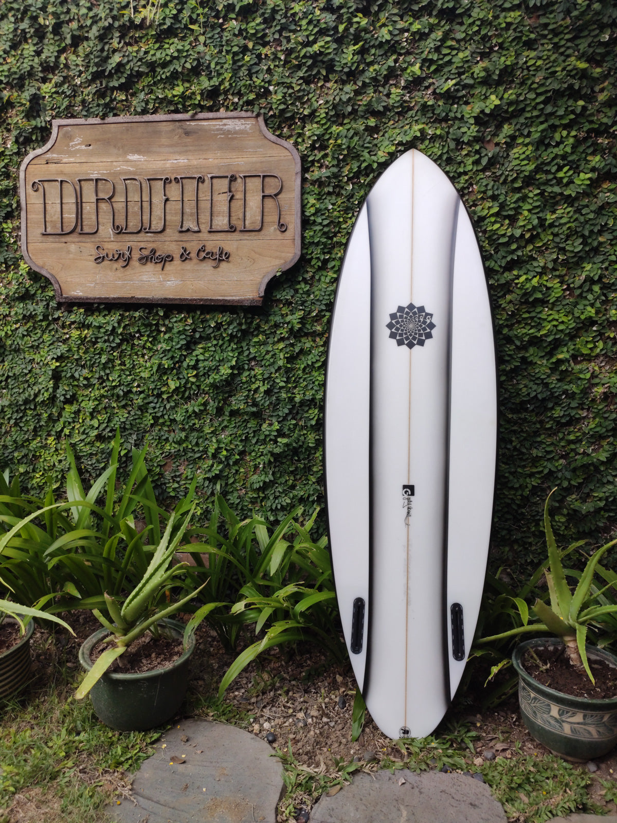 "Gary Mcneill Concepts | Pip Flax Model 5'10"" Twin-Fin #2630"
