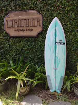 "Pyzel Surfboards | Astro Pop Model 5'7"" Quad #17555"