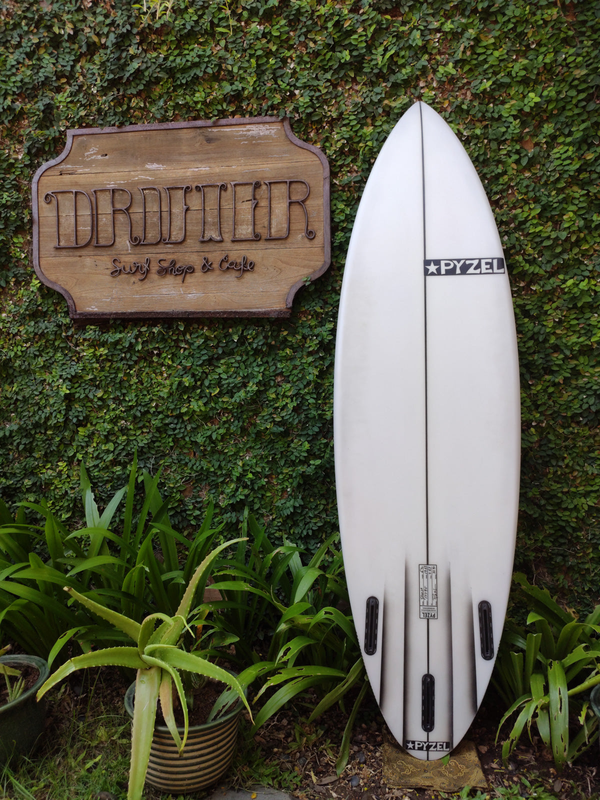 "Pyzel Surfboards | Ghost Channel Model 6'2"" Thruster #17795"