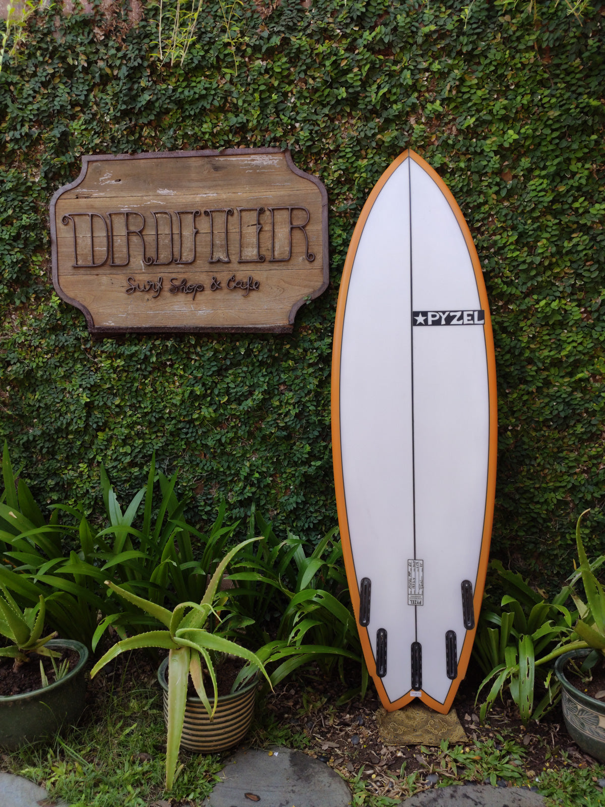 "Pyzel Surfboards | Astro Pop Model 6'0"" 5-Fin #18324"