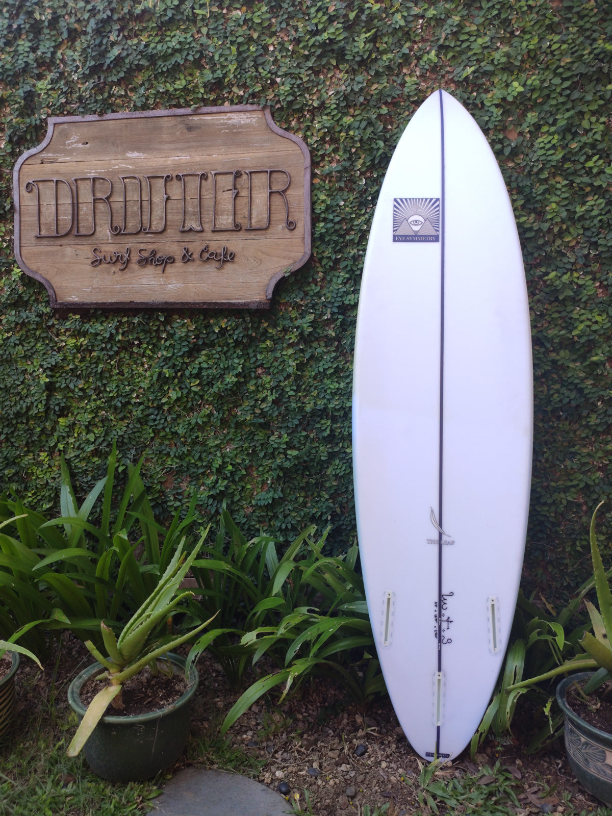 "Eye Symmetry Surfboards | The Leaf Model 6'4"" Thruster"