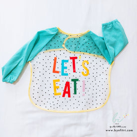 Multifunctional lets eat sleeved bibs