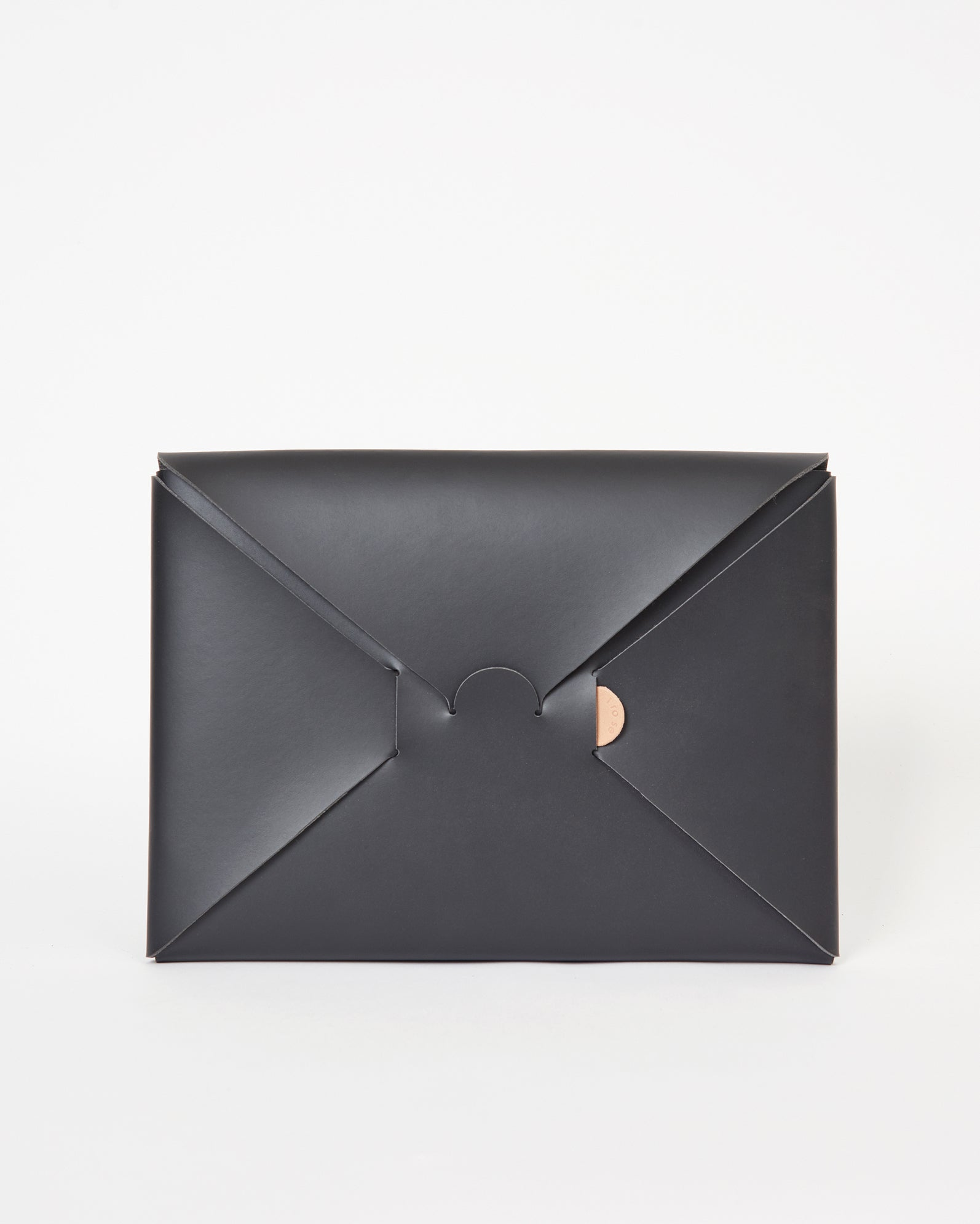 Seamless Clutch Case