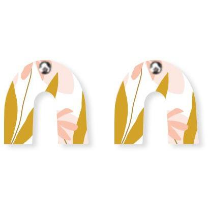 MOE MOE MARGUERITE BLOOM HELSINKI MON AMOUR SMALL RAINBOW ARCH STUD EARRINGS