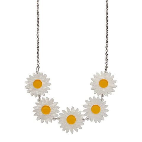 She Loves Me Daisy necklace