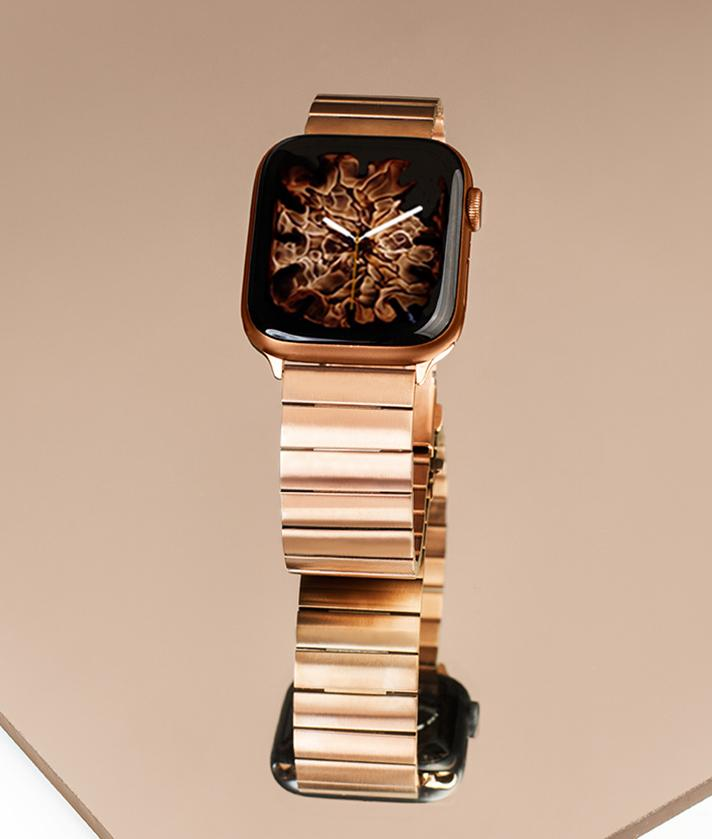 A gold stainless steel strap for iwatch